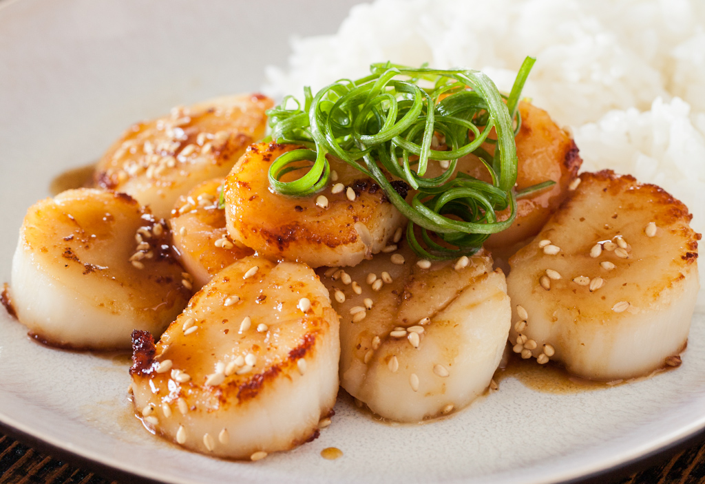 Scallops with asian noodles